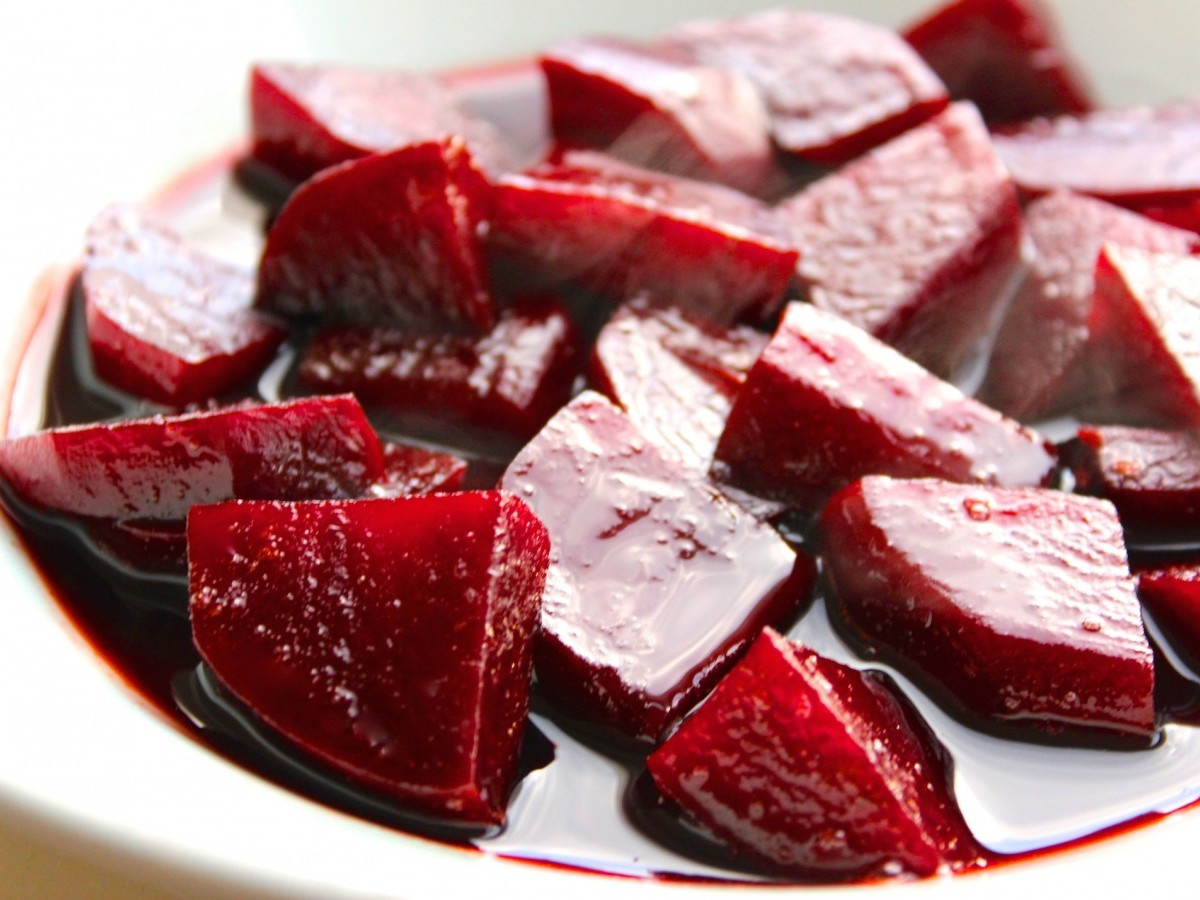 Rode bieten in balsamico-crème
