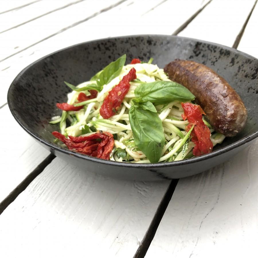Spagetti van courgette met worst
