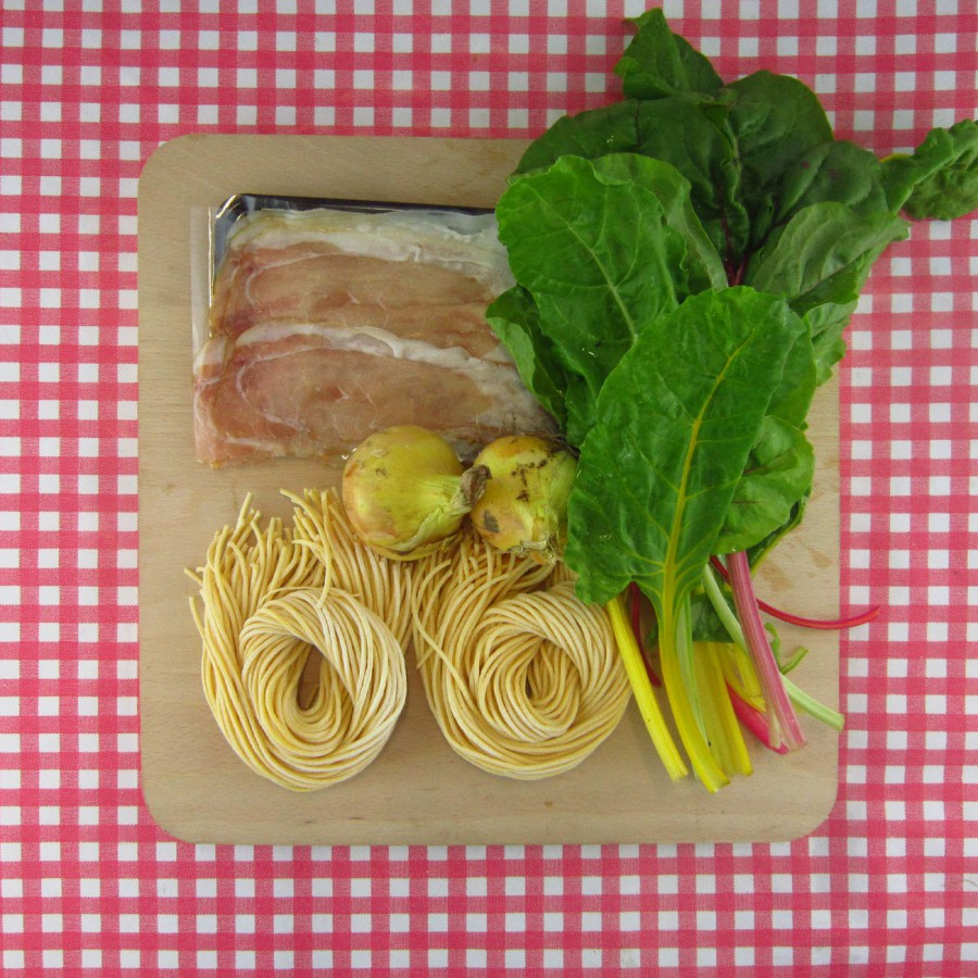 Verse spaghetti met snijbiet en bacon