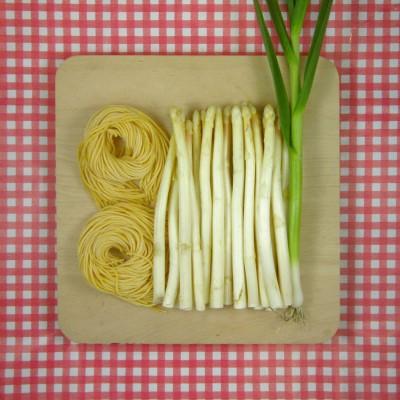 Verse spaghetti met asperges en roomsaus
