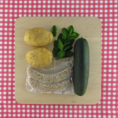 Worstjes en gevulde aardappel met munt